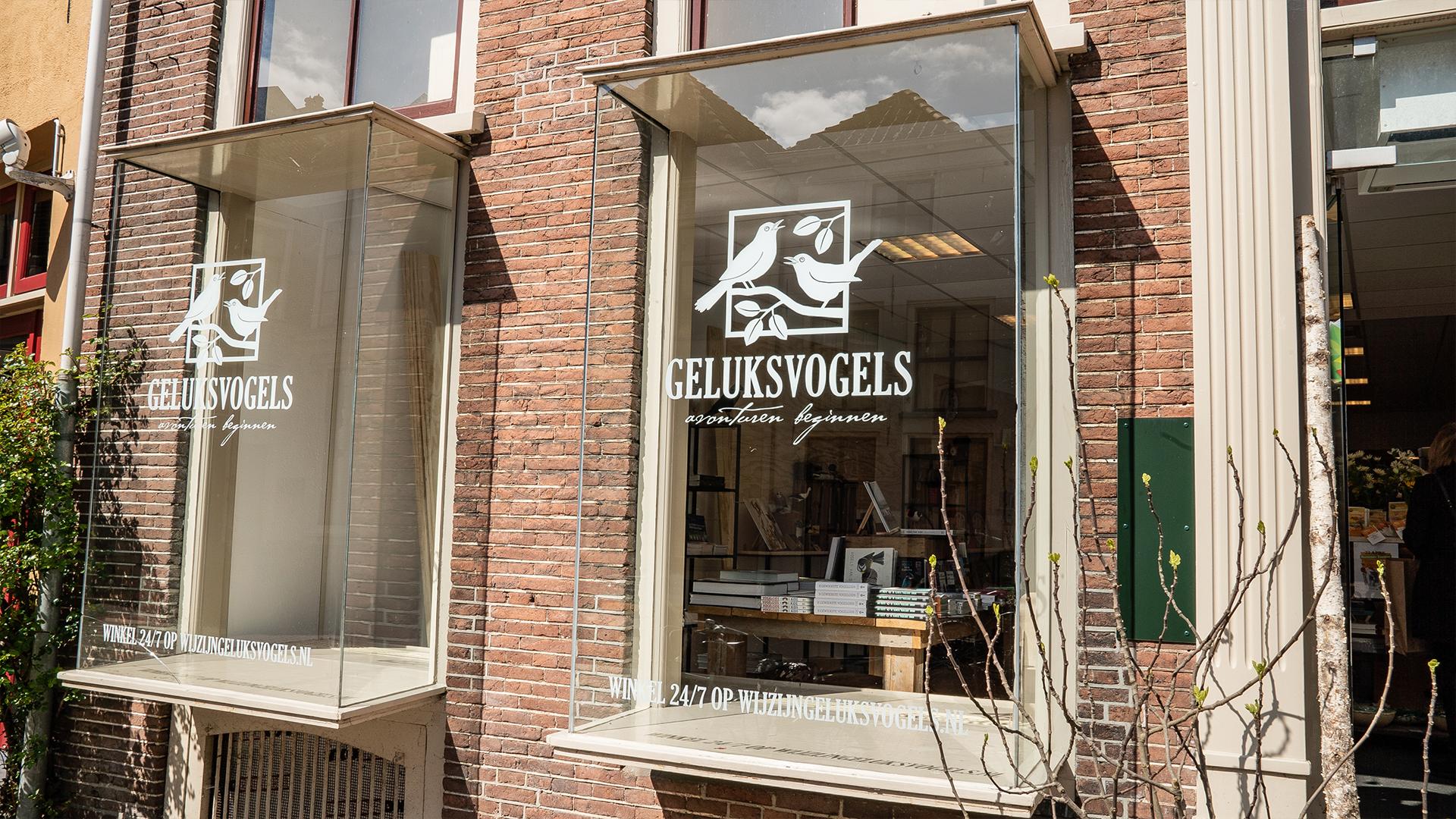 Geluksvogels - Signing - raamsticker - Zutphen - Lutim Creatief Mediabureau - Wij Maken Jouw Communicatie